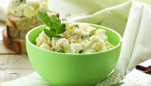 яичный салат с рукколой