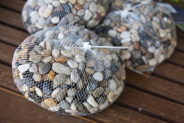 Галька и камушки для декора и дренажа луковиц в вазе